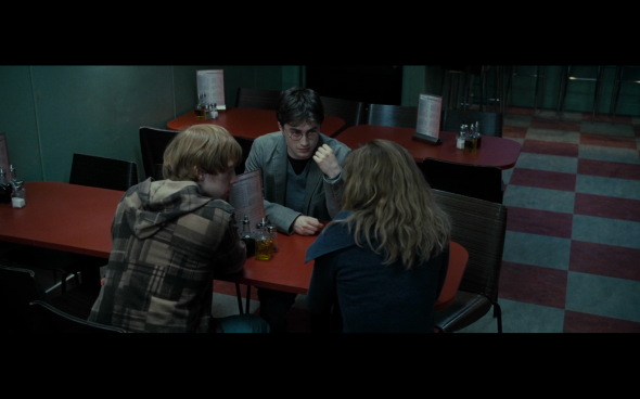 Harry Potter and the Deathly Hallows Part 1 - 416