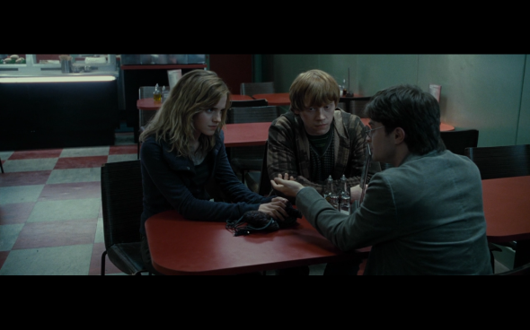 Harry Potter and the Deathly Hallows Part 1 - 417
