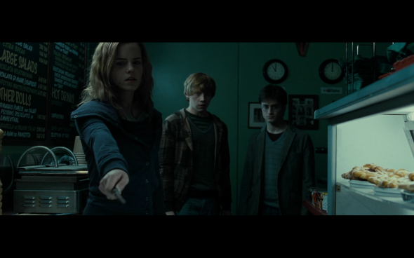 Harry Potter and the Deathly Hallows Part 1 - 439