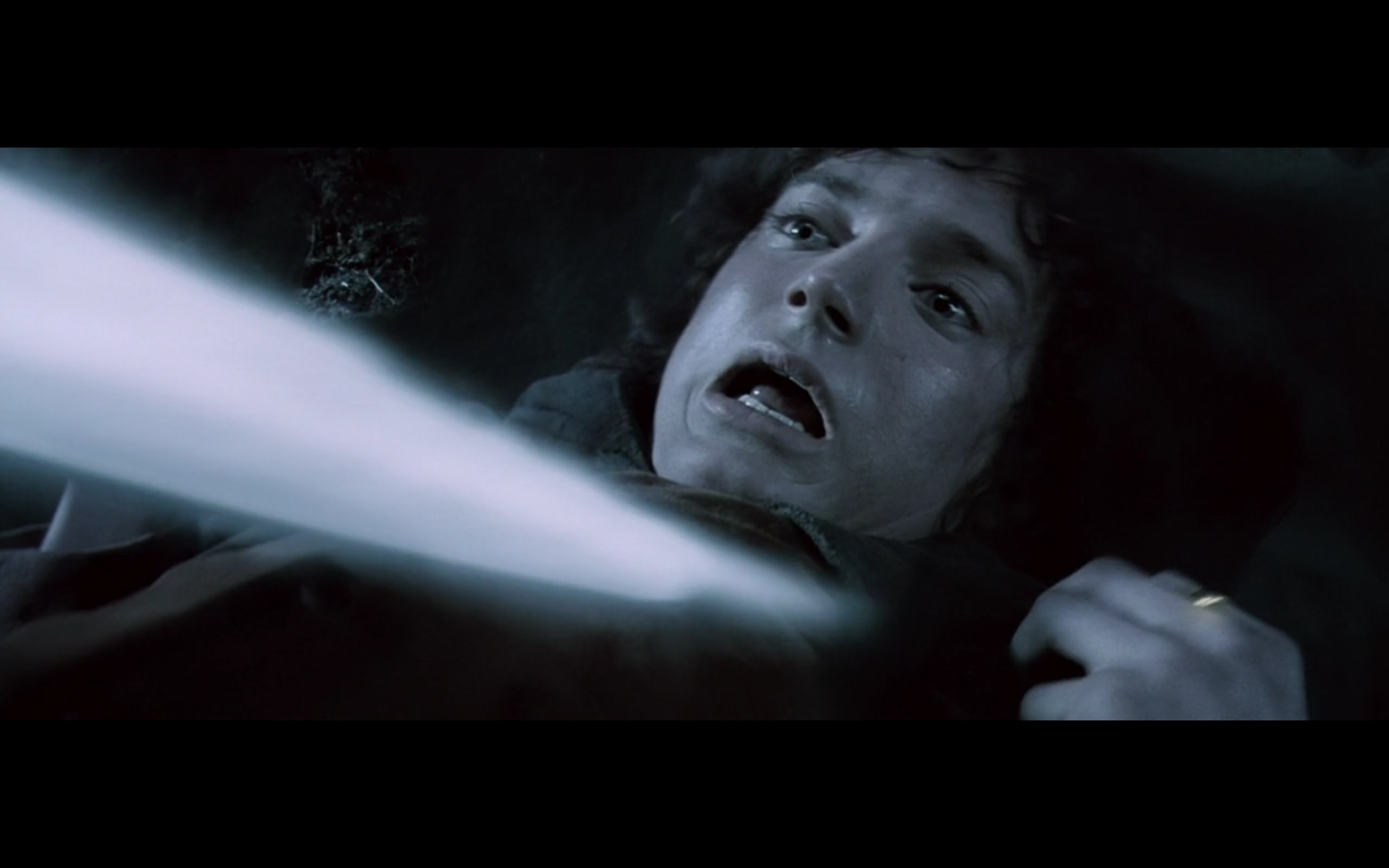Lord Of The Rings Frodo Gets Stabbed