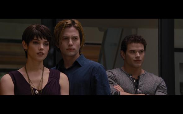 The Twilight Saga Breaking Dawn Part 2 - 304