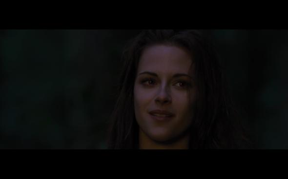 The Twilight Saga Breaking Dawn Part 2 - 387