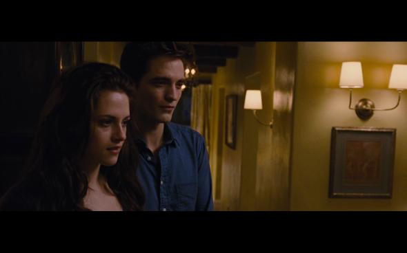 The Twilight Saga Breaking Dawn Part 2 - 400