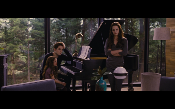 The Twilight Saga Breaking Dawn Part 2 - 702