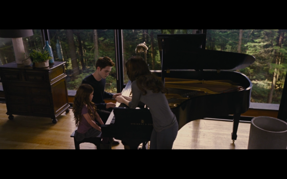The Twilight Saga Breaking Dawn Part 2 - 705