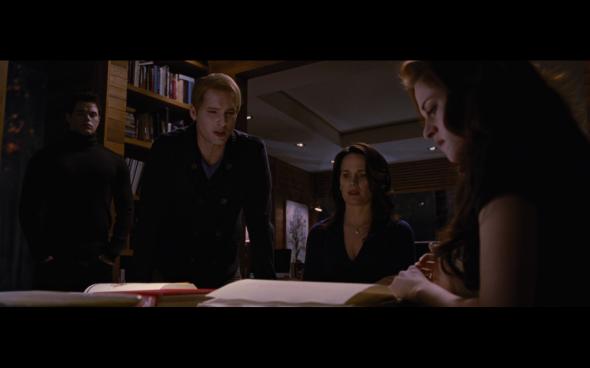 The Twilight Saga Breaking Dawn Part 2 - 755
