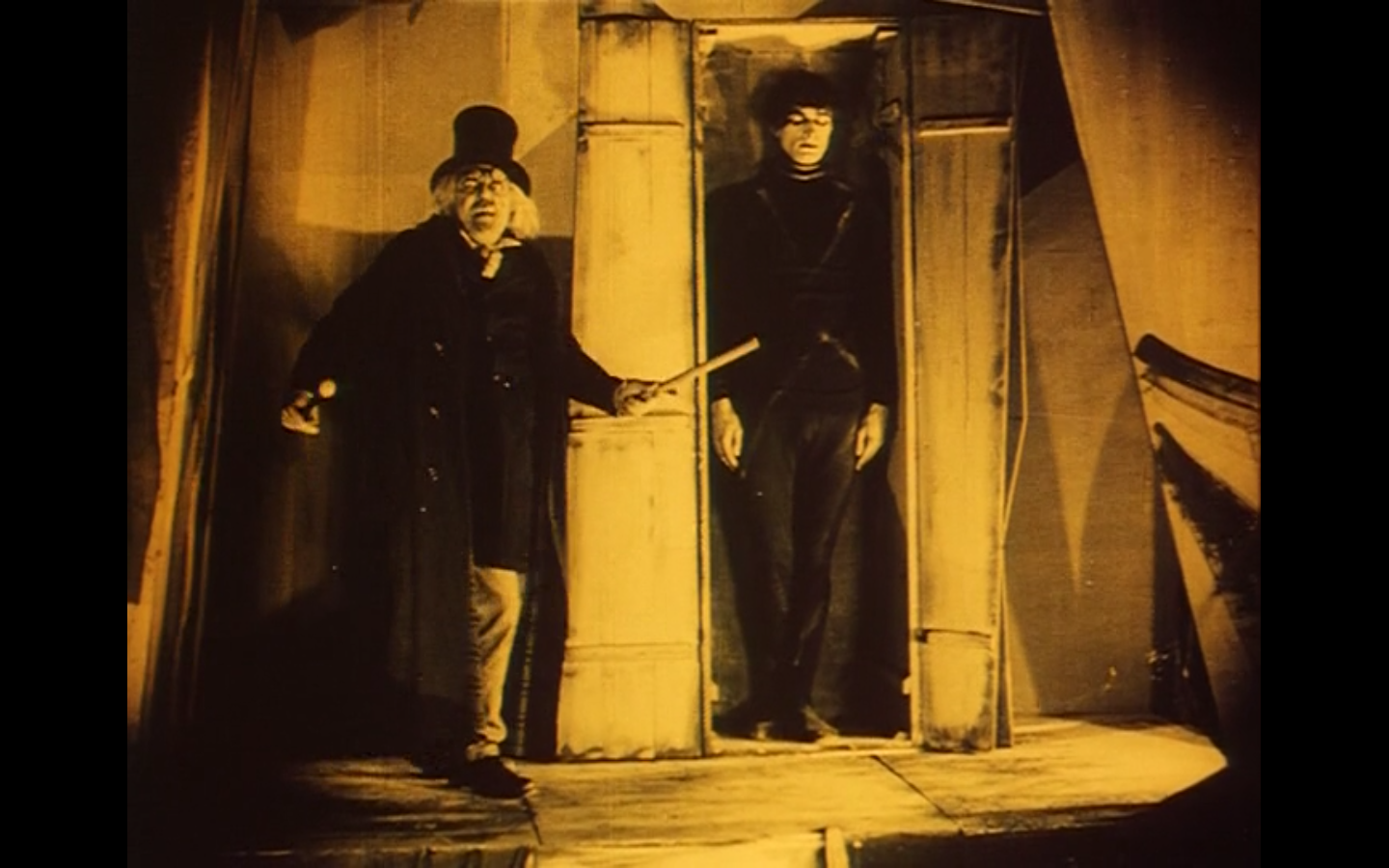 an analysis and a comparison of the cabinet of dr caligari and the last laugh Compare and contrast  scroll to top home an analysis and a comparison of the cabinet of dr caligari and the last laugh  fw murnau, the cabinet of dr caligari.